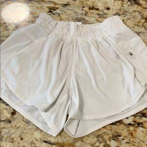 Lululemon tracker shorts in size 4